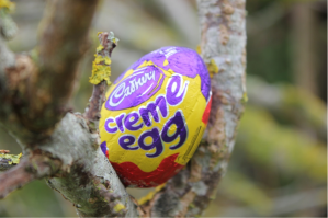 CremeEggInTree
